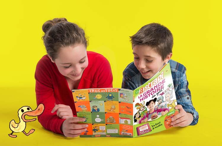 Le p'tit coin-coin des Astrapiens - Enfants lisant Astrapi