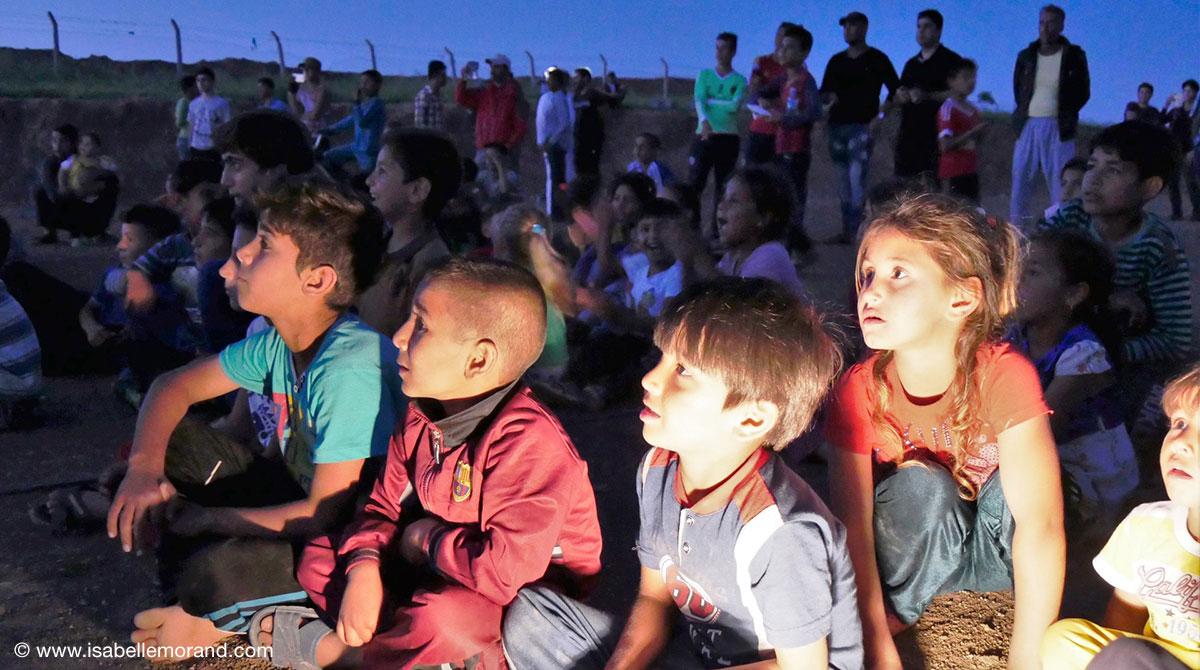 Les écrans de la paix. © www.isabellemorand.com